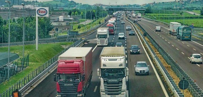 편도 2차로밖에 없는 고속도로가 유독 짜증 날 수밖에 없는 이유